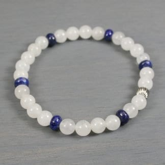 Stretch bracelet in snow quartz, lapis lazuli, and stainless steel